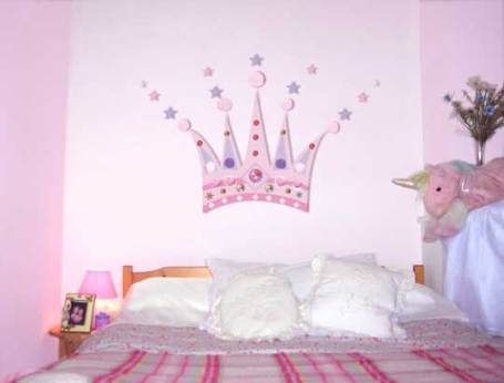 Princess crown mural for girls bedroom