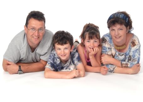 family-lyingxmas-card