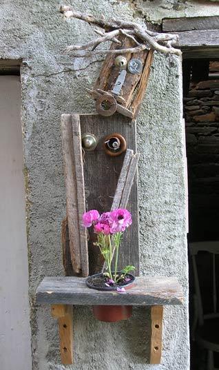 wooden-flower-man