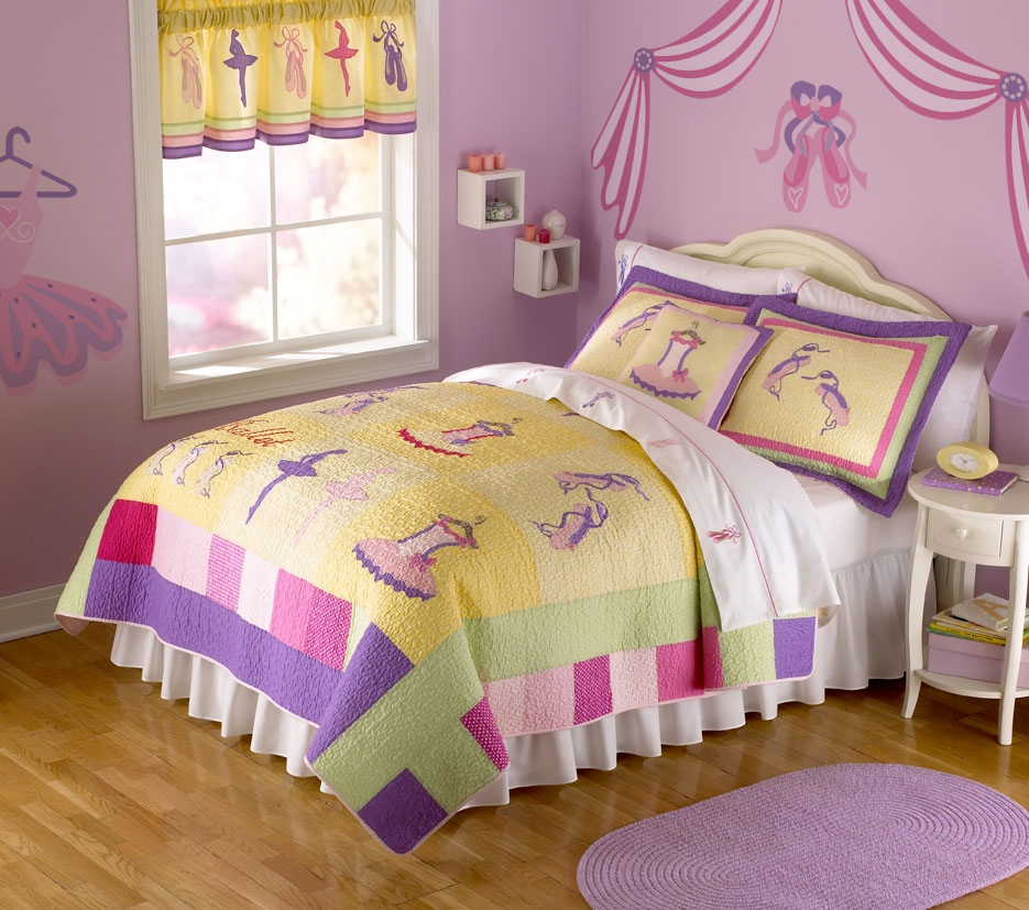 Ballet room theme ideas for little girls rooms off the wall - Bed for girls room ...